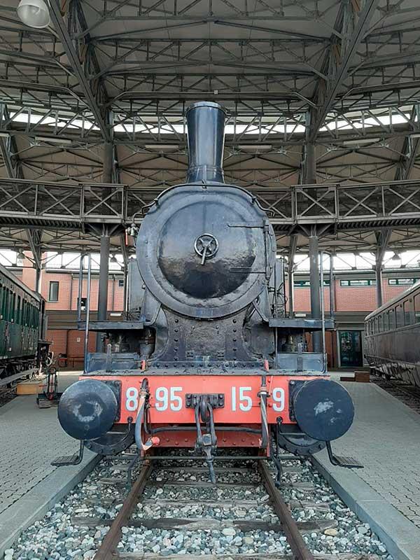 locomotiva a carbone
