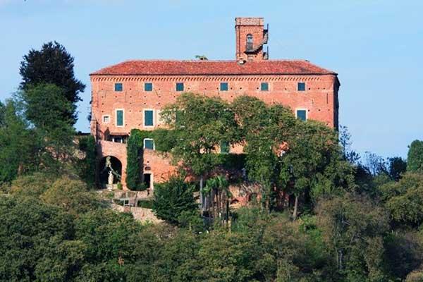 Castello Monteu roero Piemonte